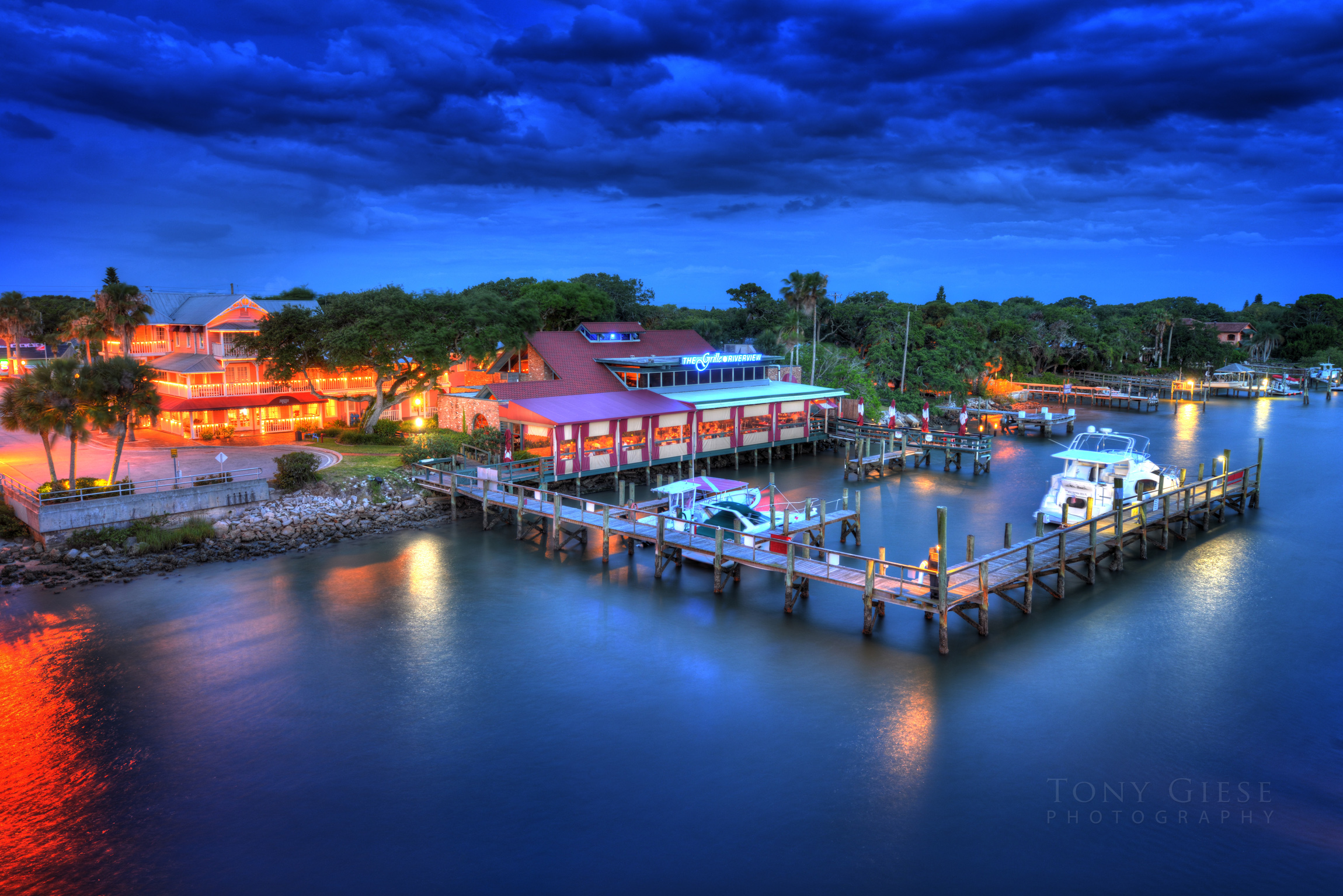 The Grille at Riverview, New Smyrna. Photography by Tony Giese