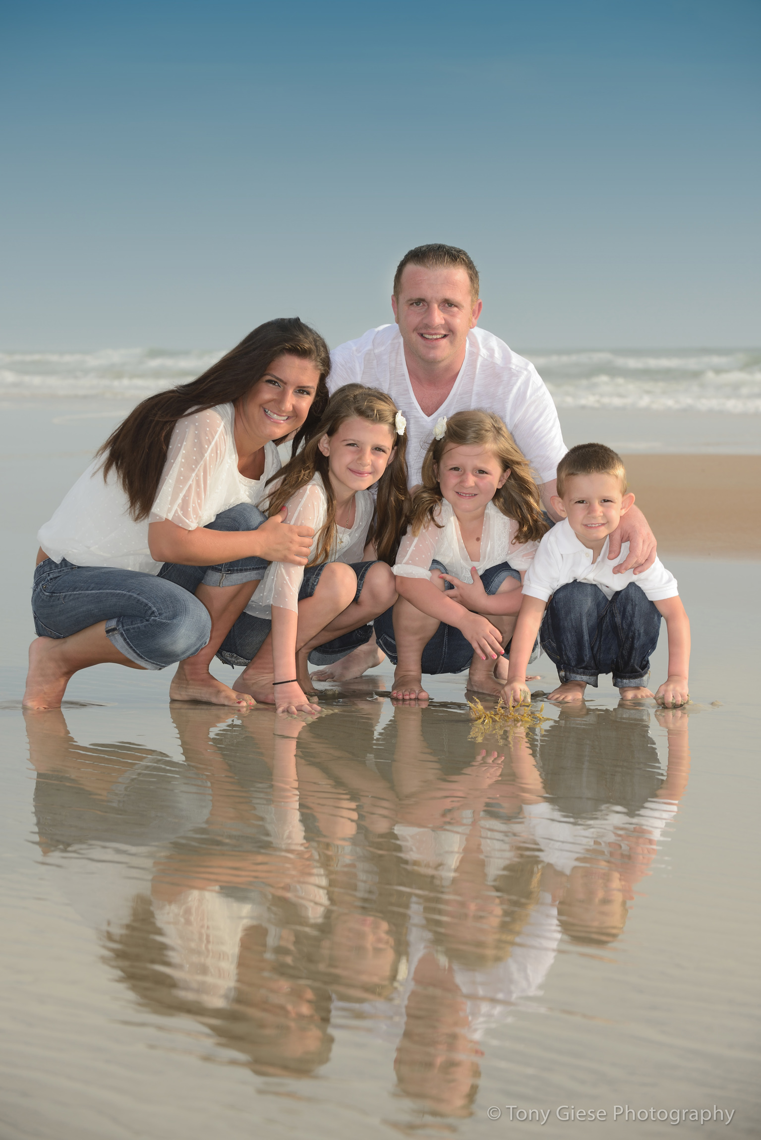 Ljuljojuraj Family Beach Portrait